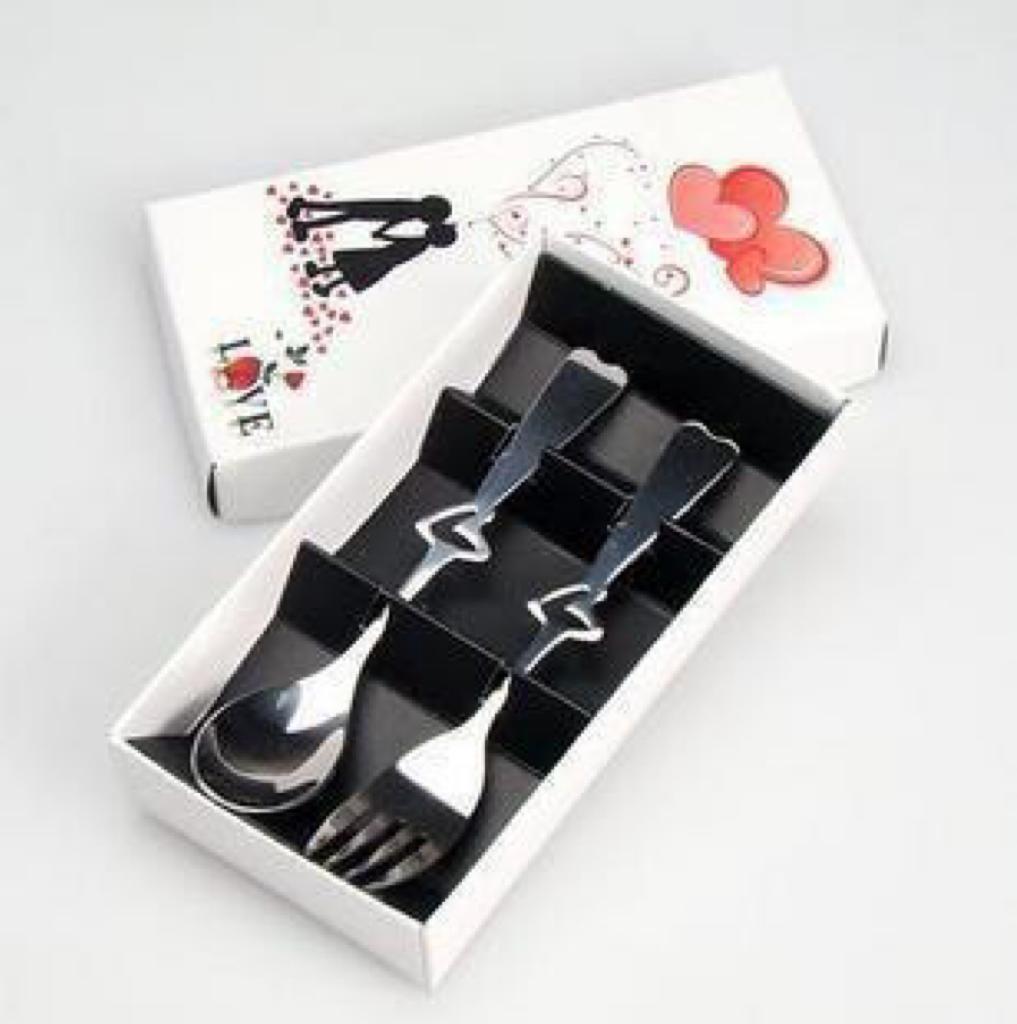 خرید پستی  ست قاشق چنگال کادویی طرح قلب 2 بسته ای