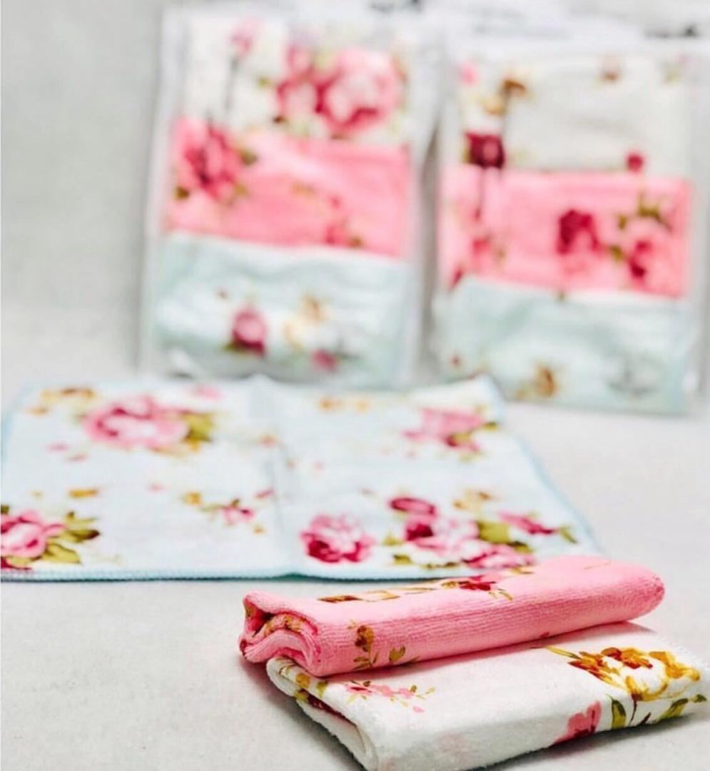خرید پستی  دستمال سه عددی میکروفایبر گلدار