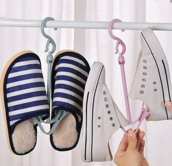 خرید آویز پلاستیکی 3 عددی انوع کفش و کتانی لباس